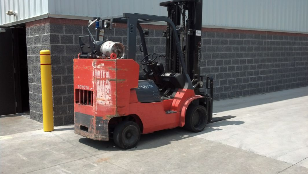 10,000 lb Capacity Box Car Special - Williams Toyota Lift