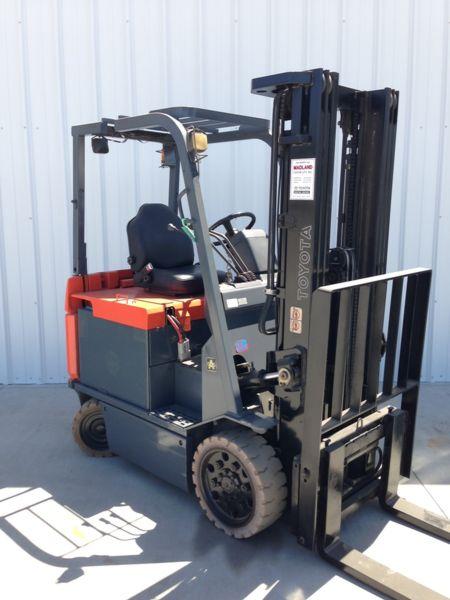 5,000 lb Electric Forklift- 2007